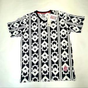 UNIQLO XL NWT Short Sleeve T Shirt Japanese tags
